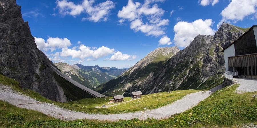 mountain-927407_1920