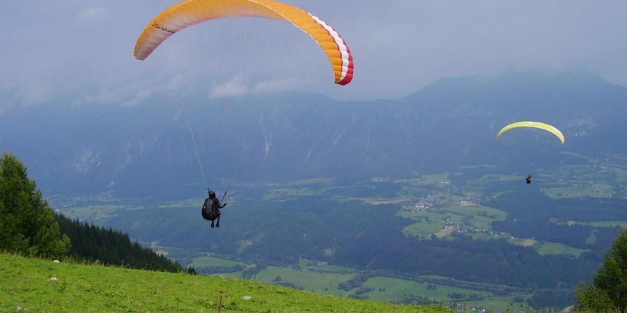 paraglider-225622_1280